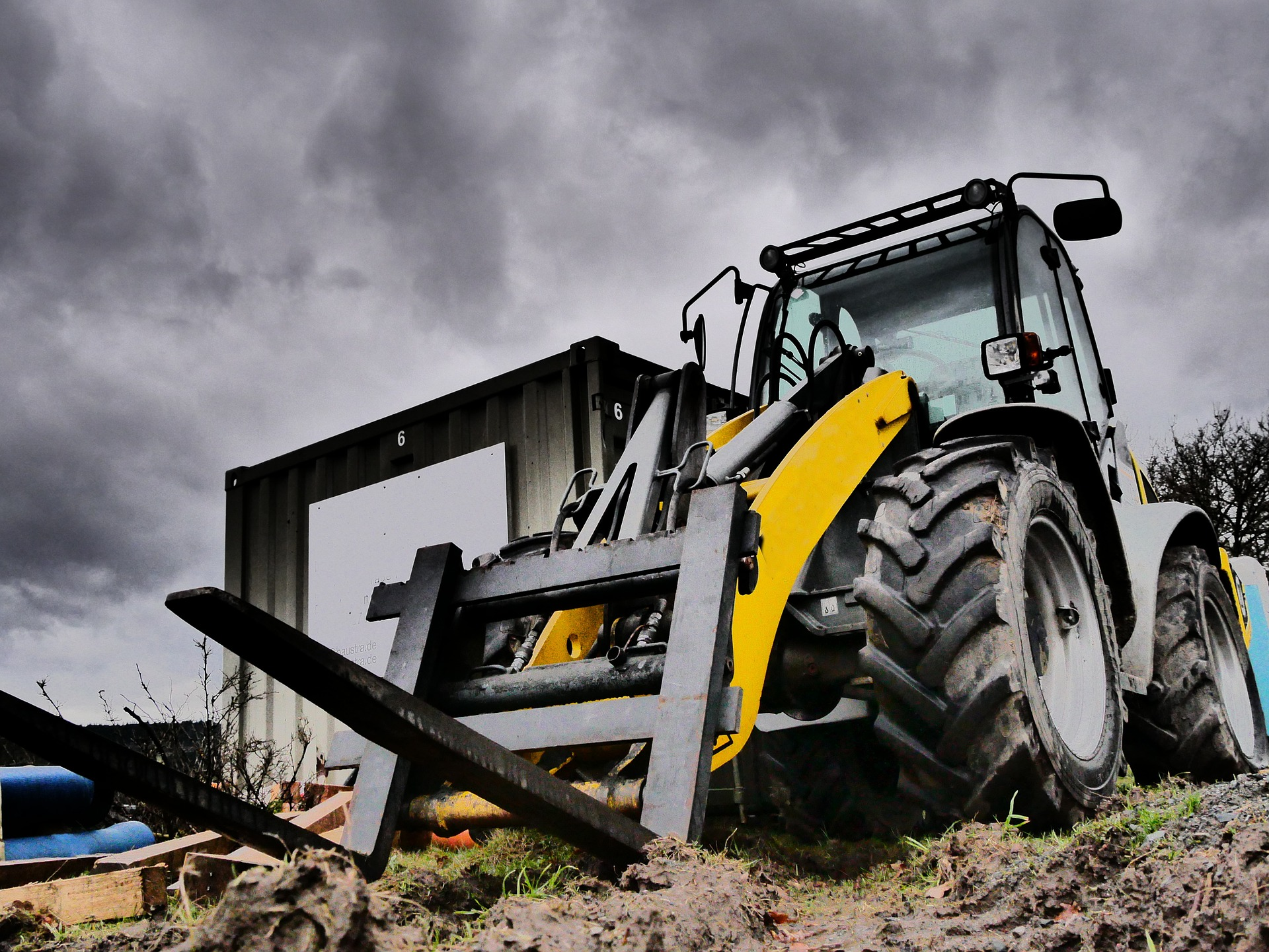 what is a telehandler