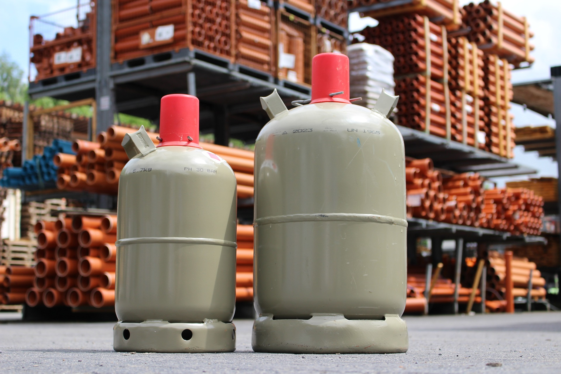 How to replace a gas cylinder