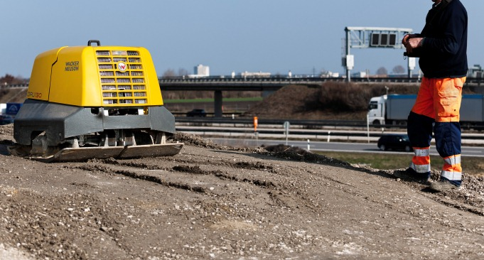 Wacker plate hire for construction